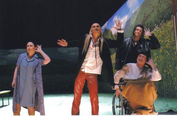 Tobias Pfülb as Musikzauberer - Der Reise v. Steinfeld - F. Cerha - theater Krefeld-Mönchengladbach - Copyright M. Stutte