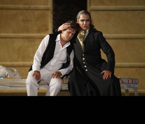 Tobias Pfülb as Sarastro - Die Zauberflöte - W.A. Mozart - Landesbühnen Sachsen - Copyright M. Reissmann