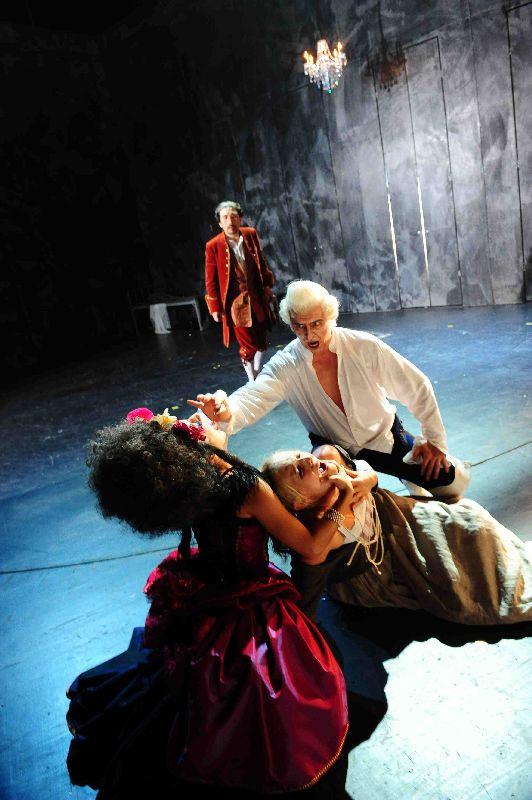 Tobias Pfuelb as Herzog Alexander Joseph Suess - D. Glanert - Theater Zwickau-Plauen - Copyright P. Awtukowitsch